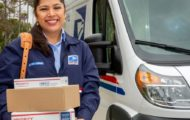 usps liteblue employee delivering a courier